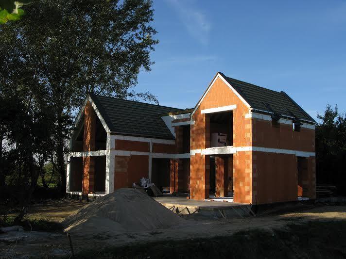 dom w otwocku budowa